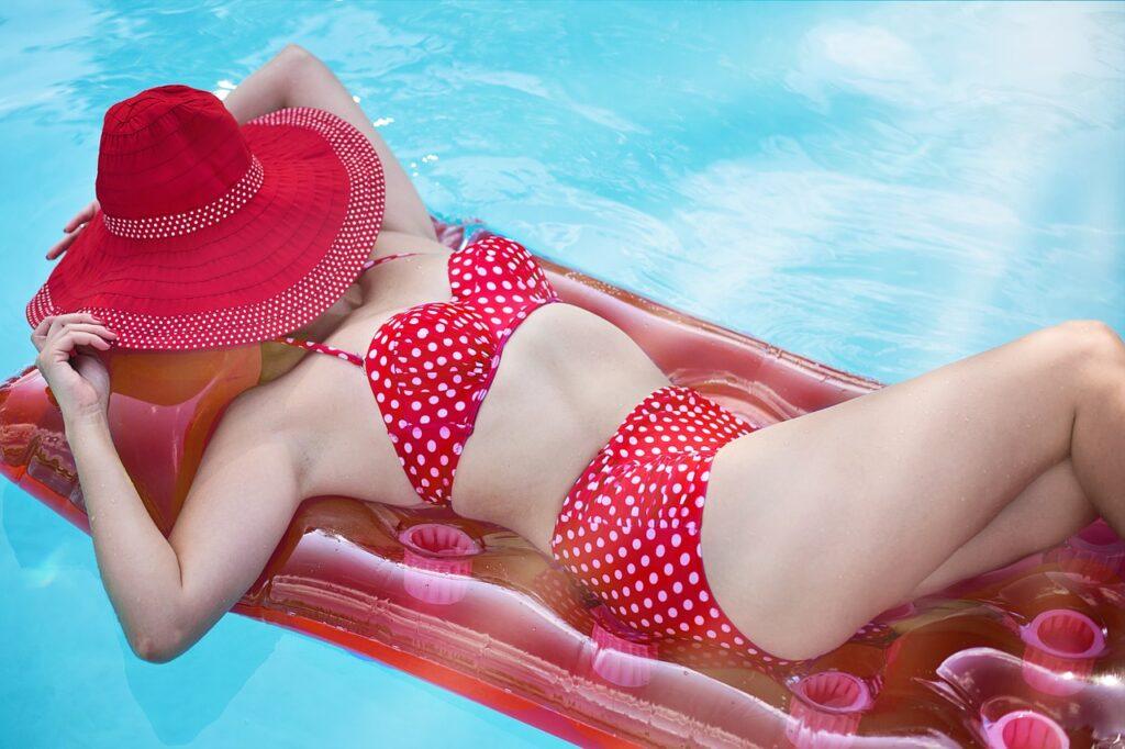 Mit Stil am Pool - Welches ist der perfekte Bikini für dich